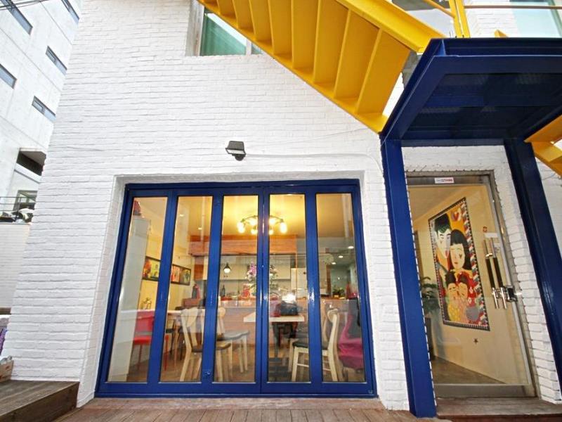 zzzip-guesthouse-in-hongdae1