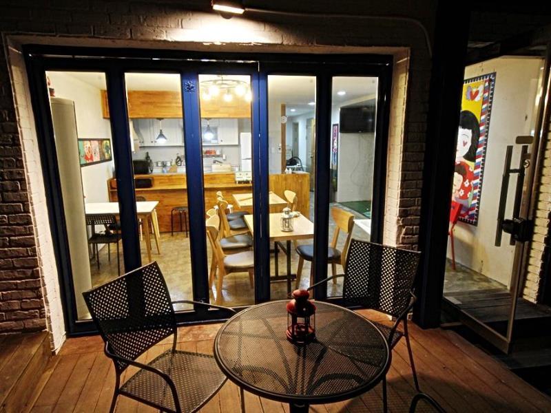 zzzip-guesthouse-in-hongdae4