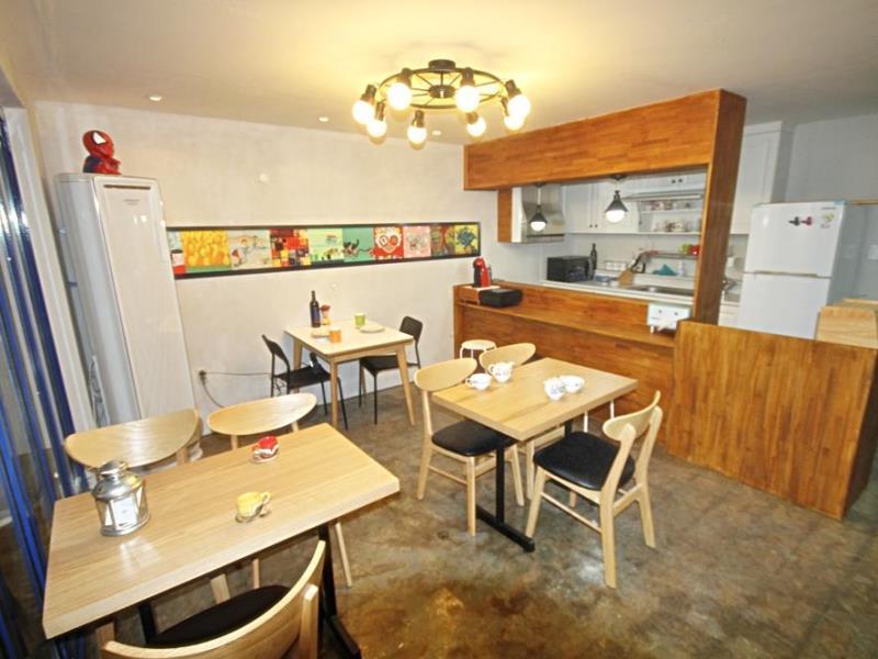 zzzip-guesthouse-in-hongdae5